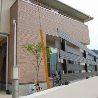 エバーアートウッドフェンスと塗り塀 洋風スタイルの目隠しフェンス