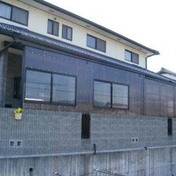 波板テラスにサッシ窓を追加 物置・ストックヤードに