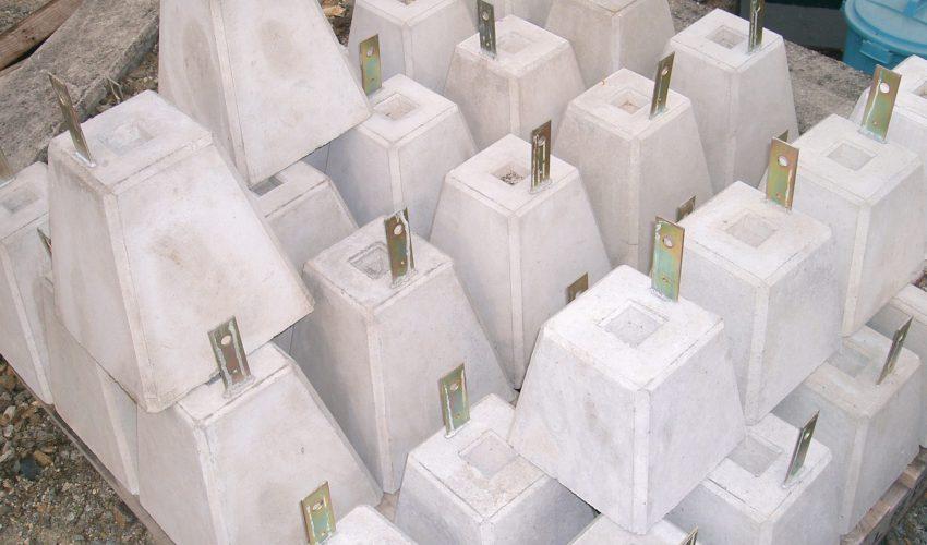羽子板付コンクリート束石